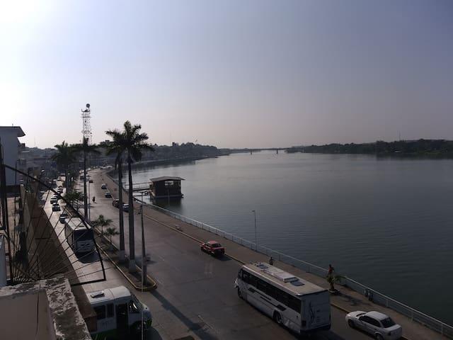 Vista al Puente Tuxpan desde la terraza (área común)