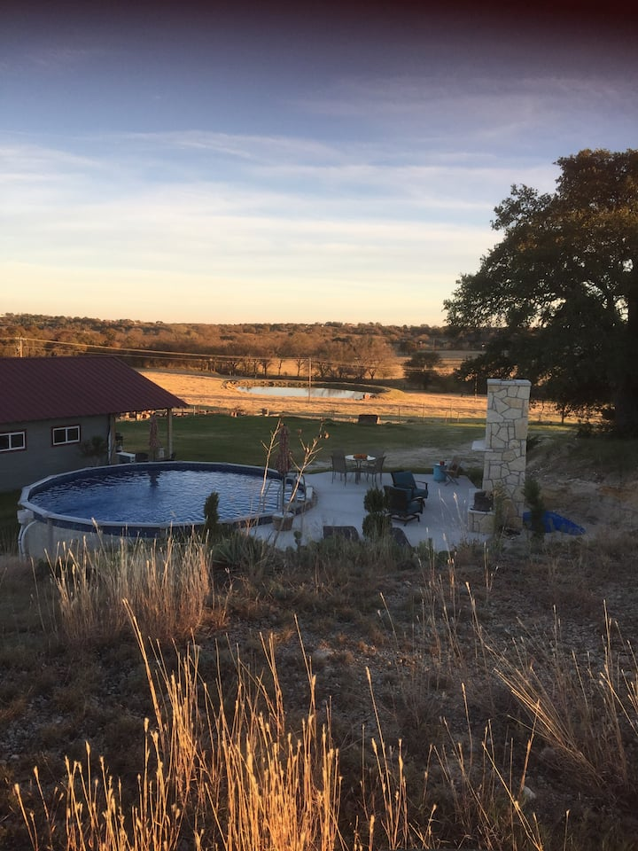 CHARMING!  Renovated barn w/private pool & hot tub