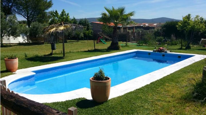 Villa with 5 bedrooms in Mirandilla, with wonderful mountain view, private pool, furnished terrace