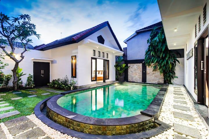 Villa Timur Bintang 2BR