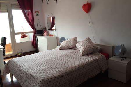Bonita habitacion doble.Santutxu!! - Bilbao