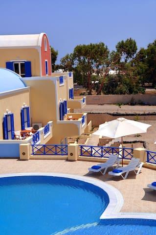 Beautiful family hotel - Agios Georgios - Aamiaismajoitus