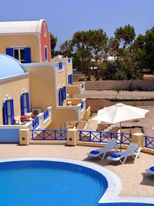 Beautiful family hotel - Agios Georgios - B&B
