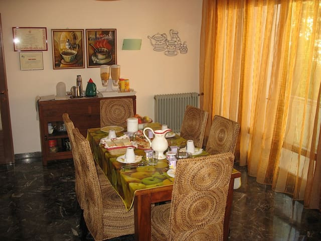Near Venice REAL B&B OsaKasaMia! - Spinea - Bed & Breakfast