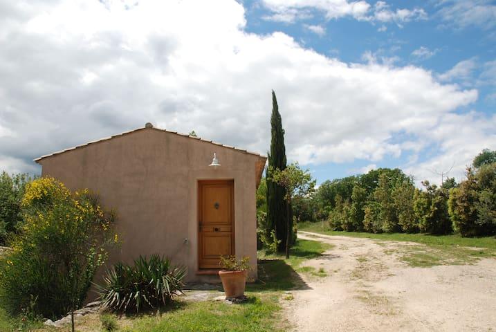 Studio-cabanon au coeur du Luberon