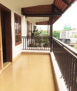 Entire Apt/2BR, Expat Neighborhood, Cafes, Restos - Phnom Penh - 公寓