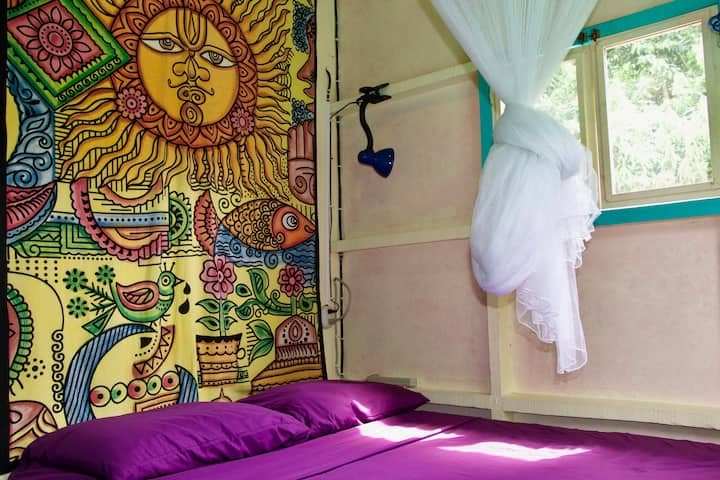CORNER SUNSHINE ROOM at Hidden Jungle Beach House!