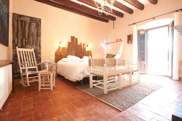 BEST B&B OF CATALONIA! - Santa Pau - Bed & Breakfast