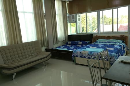 Huge and Affordable Studio for Group Travelers #1