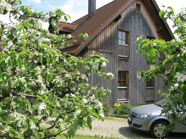 Natur und Kultur Region Augsburg - Friedberg - Hus