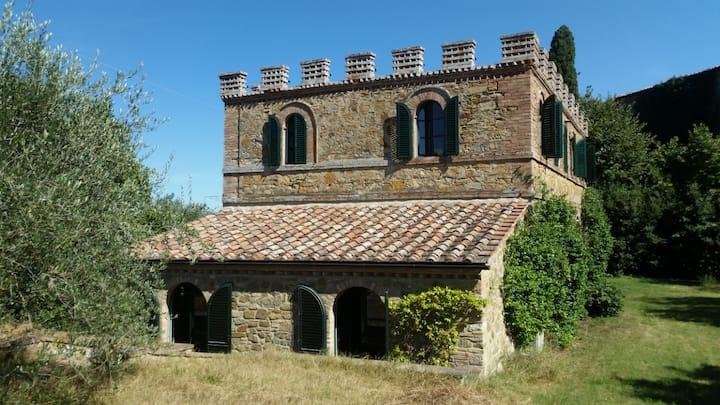 Villa in front of  Montalcino