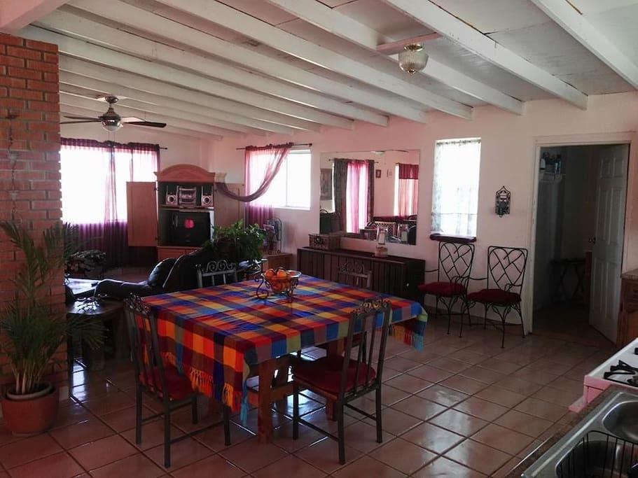 Sala y cocineta