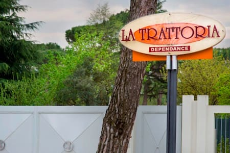La Trattoria - Dependance - Bed & Breakfast