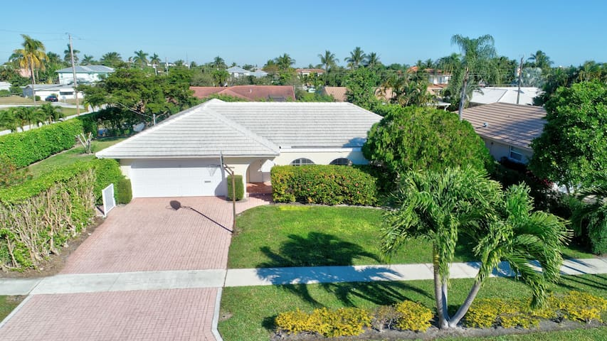 Beautiful 3-bedroom house in lovely Boca Raton