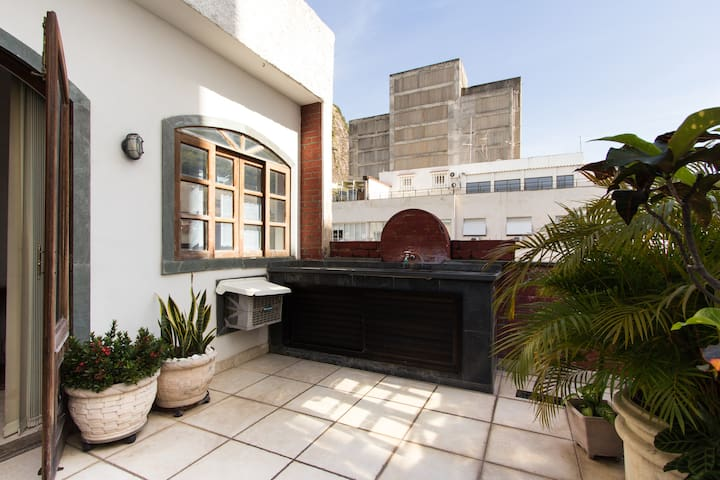 BEST LOCATION IN COPACABANA 4 - ROOM MAR