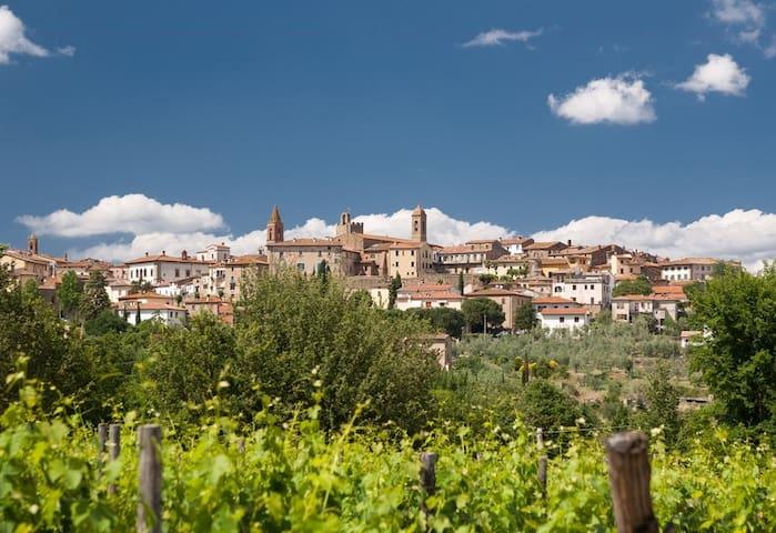 Hübsche kleine Wohnung in der Toskana - Monte San Savino - Leilighet