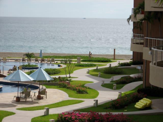 Barra de Navidad - Playa Grande - Oceanfront