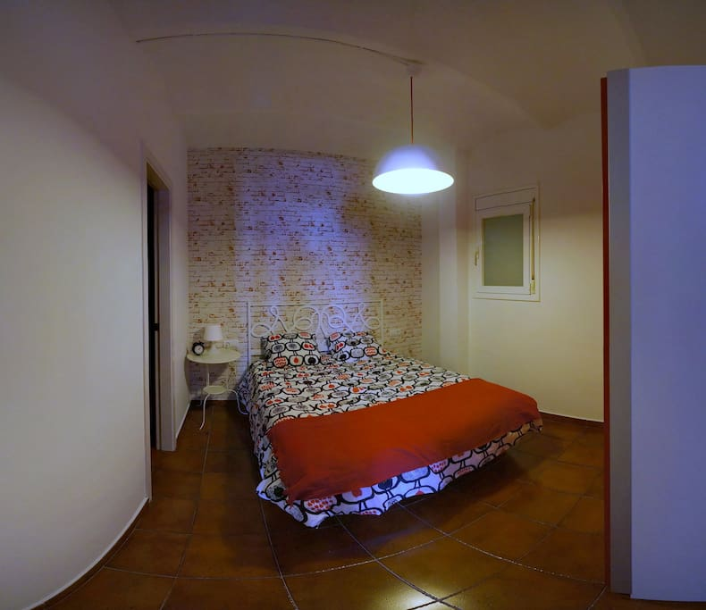 Room with double bed (150 cm)