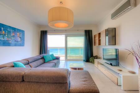 SEAFRONT LUXURY APT WITH POOL - Sliema - Apartment