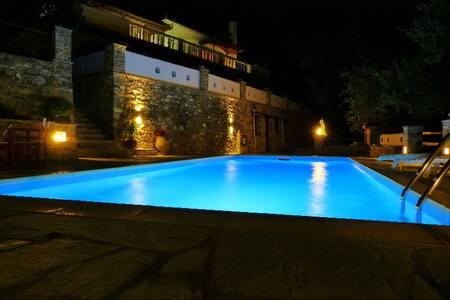 "Villa ""Selini ""above Skopelos town  - Skopelos - Huvila"