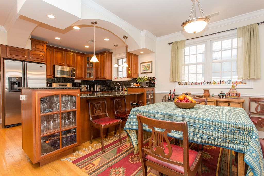Charming space in Boystown/Lakeview