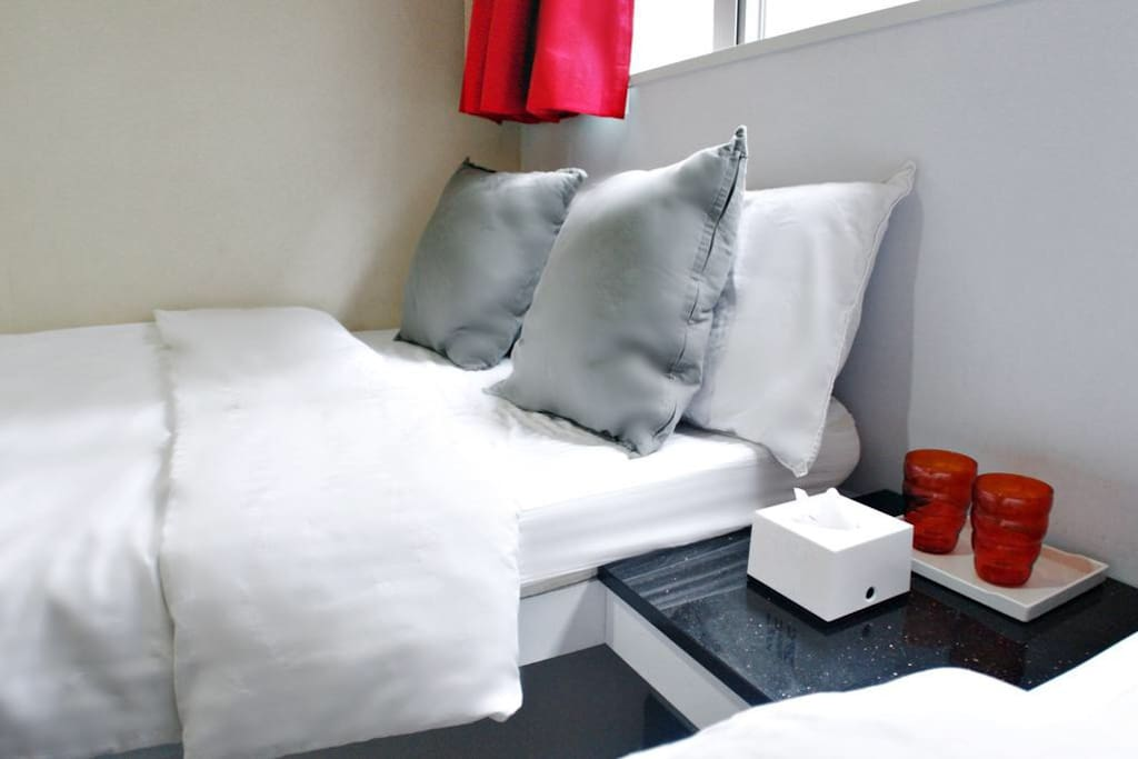 Rooms are designed to be Chic, modern, and tidy 房间简约整洁