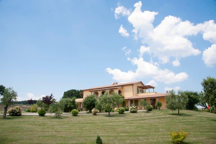 Camera Matrimoniale in Villa di Campagna - Lubriano - Rumah liburan