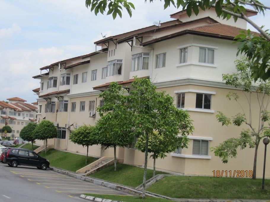 View of VISTA PUTRA Apts, Bandar Seri Putra, Bangi, Malaysia
