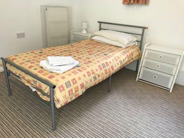 Cosy room in centre of Brighton