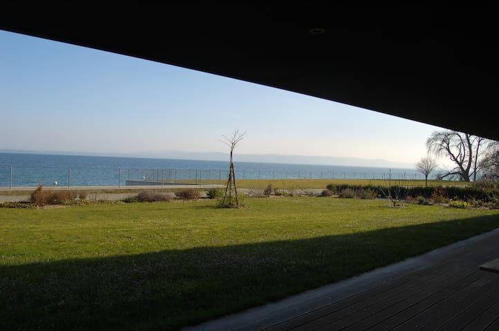 Gartenwohnung direkt am See - Gorgier - Apartemen