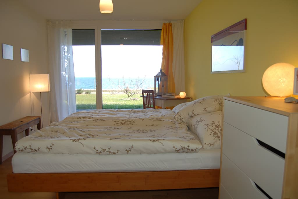 King Size Bed with lake view