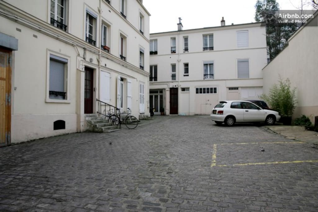 cosy parisian studio - short term