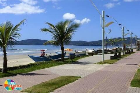 Casa Meia Praia - próximo à praia!!!