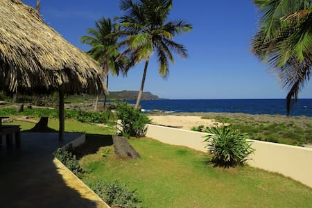 Thatched roof,ocean front, sleeps 8 - Samana
