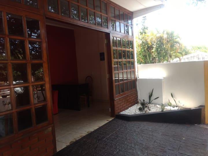 Colibrí Hostel en pleno centro 2