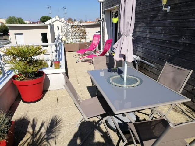 Appartement avec grande terrasse ensoleillée