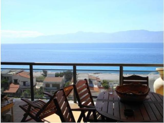 Penthouse  in front beach, Sicily and volcano - Reggio Calabria - Apartment