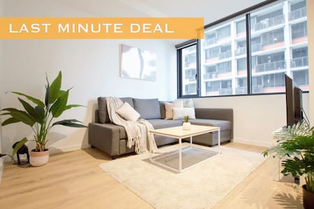 FREE PARKING - Gorgeous Cozy Midtown Apartment