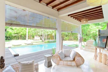 ocean reef eco green villa 3 bedrm child safe pool - 登巴萨 - 独立屋
