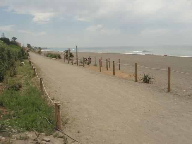 Primera línea de playa, costa del sol, Málaga - Torre de Benagalbón - Apartment