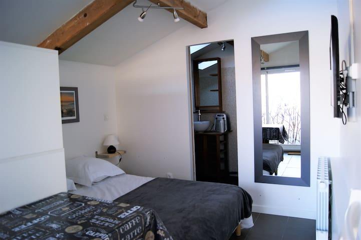 Chambre avec kitchenette à Ondres - Ondres - Apartment