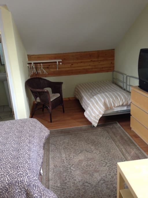 Upstairs loft  1 full bed, 1 twin, 1/2 bath