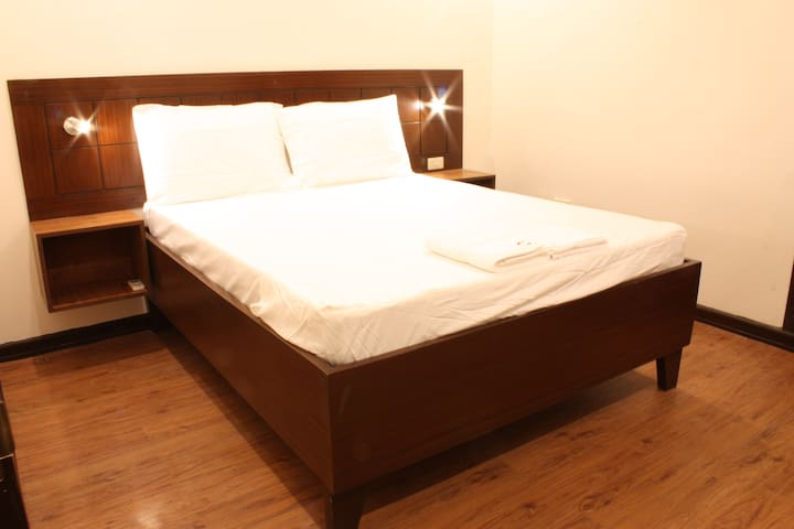 Chartel Serviced Apartments - Makati - Bed & Breakfast