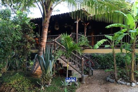 HOTEL QUINTA ESENCIA COSTA RICA - Brasilito - Bed & Breakfast