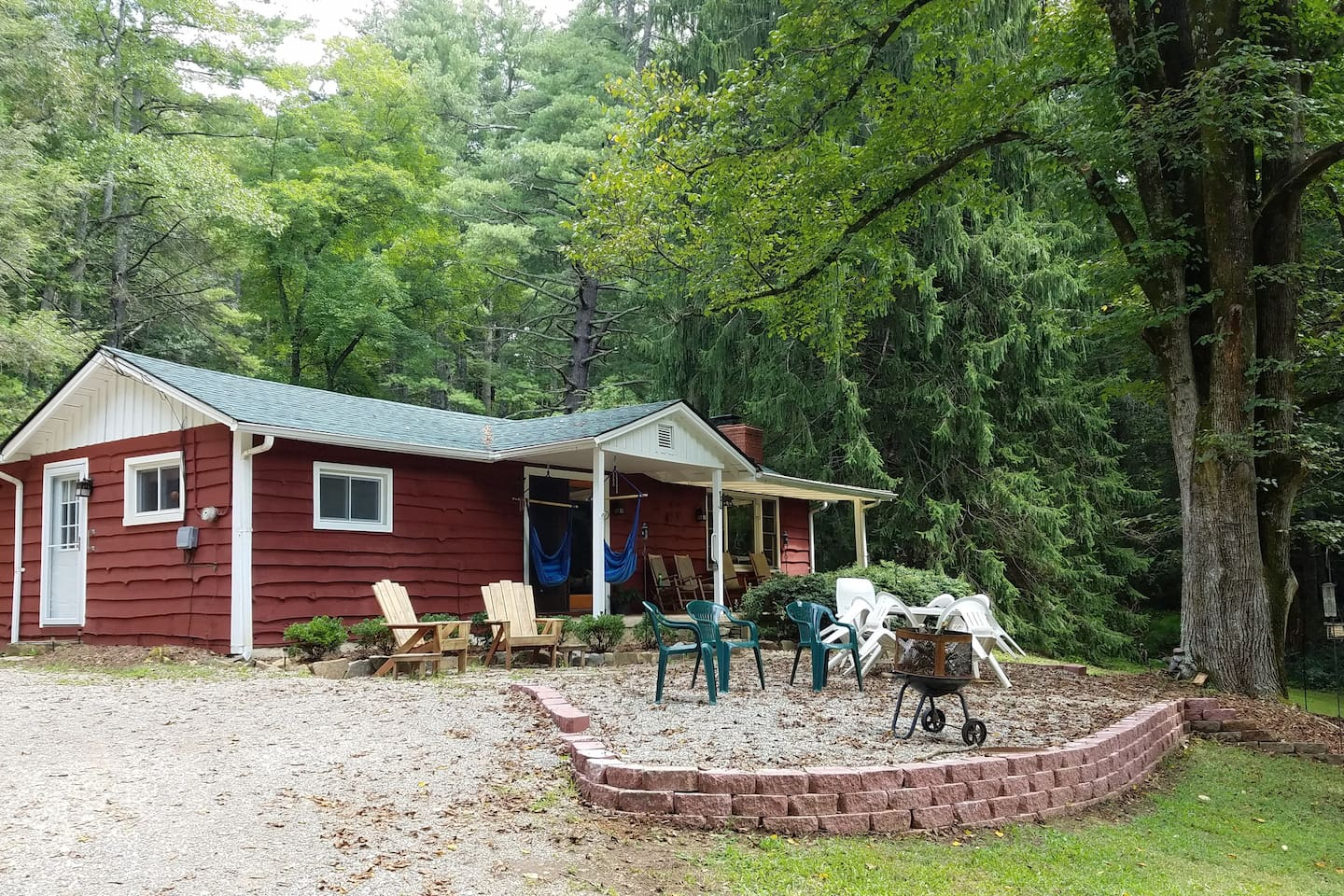 You'll absolutely love this recently restored 1950's woodland cabin.