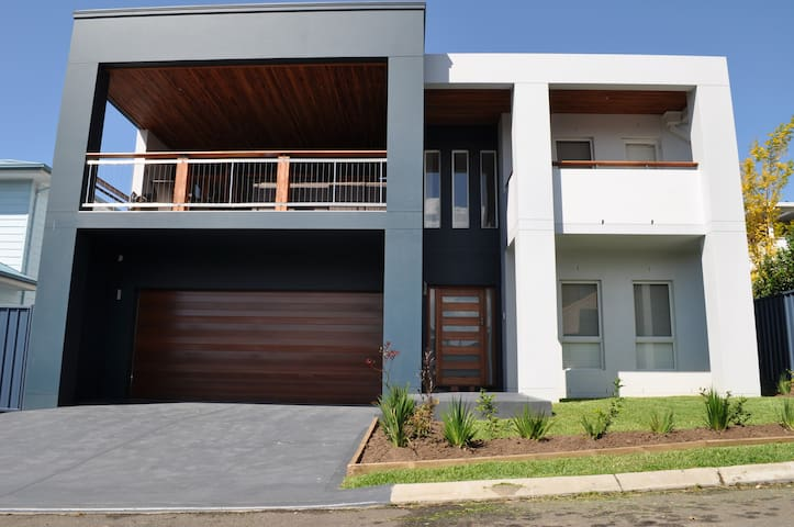 Shellharbour Village Luxury - Shellharbour - บ้าน