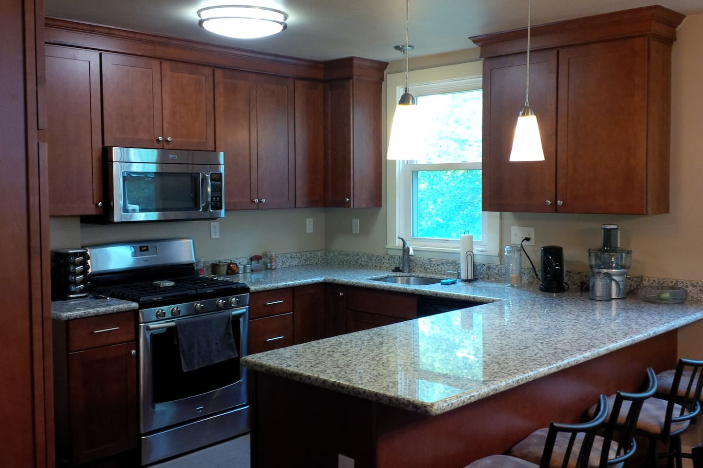 Small Room in Pittsburgh East End - Houses for Rent in Pittsburgh ...
