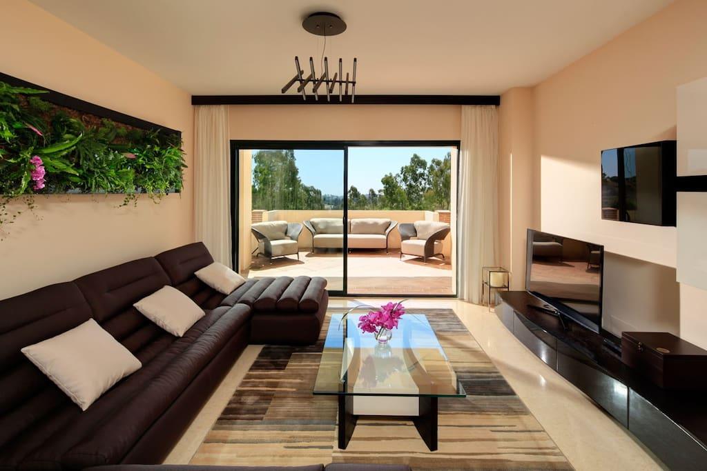 Living room with Vertical garden
