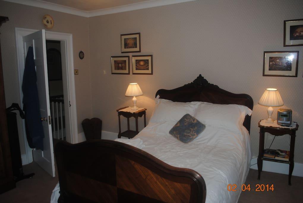 Dual aspect 'blue' bedroom