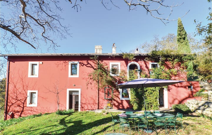 Beautiful home in Settefrati (FR) with WiFi and 6 Bedrooms